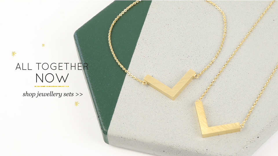 All together now - shop jewellery sets >>