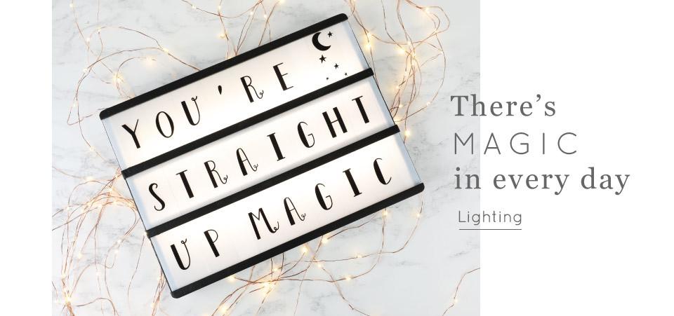 Light box and string lights - Shop lighting >>