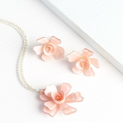Acrylic Rose Necklace and Earring Set in Dusky Pink
