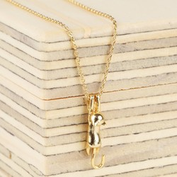 Stretching Cat Necklace in Gold