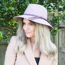 Powder Design Madeleine Fedora