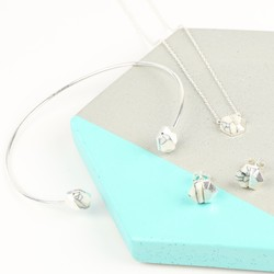 White Marble and Silver Hexagonal Jewellery Set