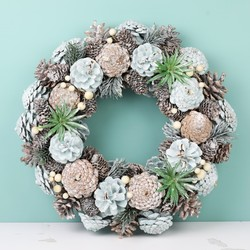 Frosted Glitter Pinecone Wreath