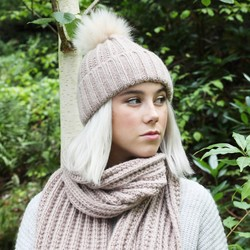 Knitted Pom Pom Hat in Dusky Pink
