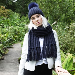 Knitted Scarf with Tassels in Navy