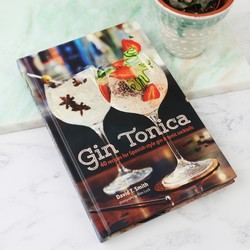 Gin Tonica Cocktail Book