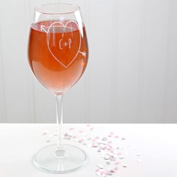 Personalised Engraved Heart & Arrow Wine Glass