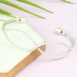 Open Infinity Bangle in Silver