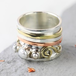 Mixed Metal & Pearl Spinner Ring