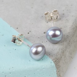 Medium Grey Sterling Silver Freshwater Pearl Stud Earrings