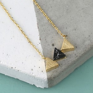 Black Marble Triple Triangle Pendant Necklace in Gold