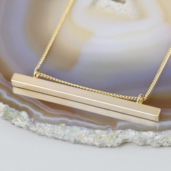 Shiny Horizontal Bar and Chain Necklace in Gold