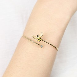 Bumblebee Open Bangle in Gold
