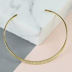 Delicate Open Circle Brushed Bangle in Gold